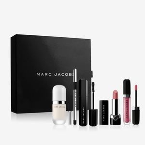 NEW MARC JACOBS Effortlessly Irresistible Set